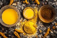 Imagen sobre el tema del té de miel de cúrcuma.