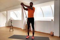Imagen del tema Entrenamiento con banda de resistencia de 30 MIN: Entrenamiento de cuerpo completo en casa con el entrenador Kofi