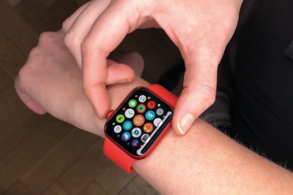 Apple Watch 6 muestra diferentes aplicaciones