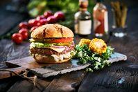 Imagen sobre el tema de la sabrosa hamburguesa.