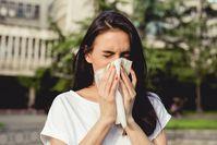 Imagen sobre el tema de la mujer con alergia.