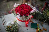 Cuadro sobre el tema del ramo de rosas, los mejores comensales con entrega de flores en la prueba